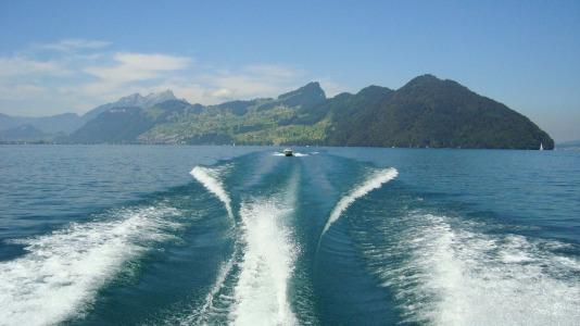 lake-lucerne-region-1215807_1280
