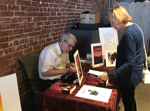 John Hoddy signing for Ellyn Wolfe